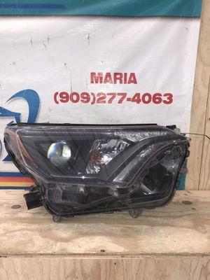 2016-2018 Toyota RAV-4 Headlight RH for Sale in Jurupa Valley, CA
