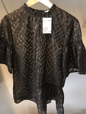 H&M woman's blouse size 6 for Sale in Cutler Bay, FL