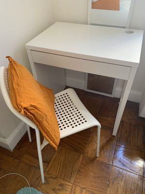 IKEA White desk with chair and cushion for Sale in Washington, DC