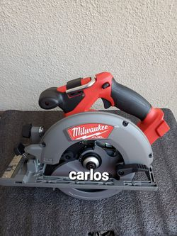 Milwaukee M18 FUEL 18-Volt Lithium-Ion Brushless Cordless 6-1/2 in. Circular Saw (Tool-Only) for Sale in Norwalk,  CA
