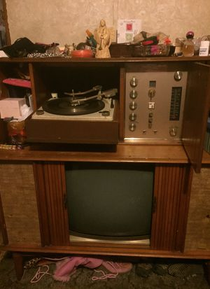 Black and white tv and radio for Sale in Hamburg, AR
