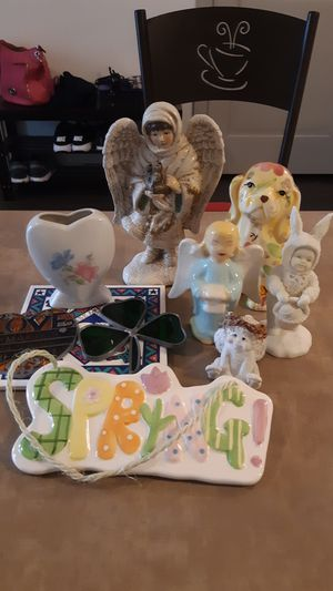 Decor Pieces Bundle: From Ceramic to Heart & Clover Stained Glass, Toothbrush holder, Angles, & Flowered Dog! Decorate your home now! for Sale in San Antonio, TX
