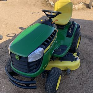 John Deer D160 Rideable Lawn Mower + Agri - Fab Collecter for Sale in Apple Valley, CA