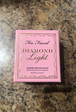 Too faced highlighter for Sale in Laveen Village, AZ