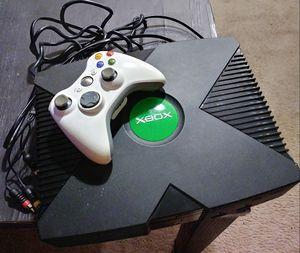 Xbox Game System plus 360 controller for Sale in Atlanta, GA