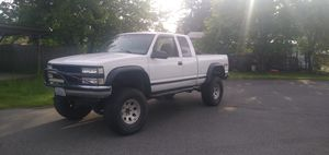 1997 Chevy Silverado 1500 price went up got a transmission I'm putting in if I didn't need to sell it it would go to 5 for Sale in Edgewood, WA