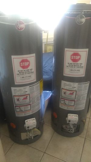 2x 40gallon Rheem water heaters one Platinum and one regular natural gas for Sale in Phoenix, AZ