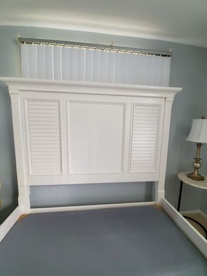 Solid Oak Queen Bed Frame for Sale in Tampa, FL