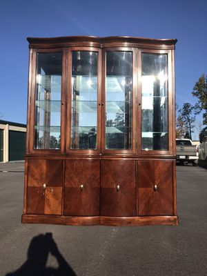 Bernhardt China Cabinet - Delivery Available for Sale in Fuquay-Varina, NC