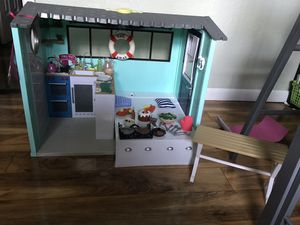 American girl doll beach house(our generation) for Sale in Largo, FL