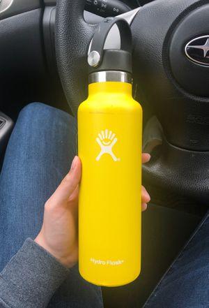 21 oz yellow hydro flask for Sale in Auburn, WA
