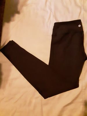 Womens Lululemon Full Length Leggings - Perfect Condition - Size 6/S! for Sale in Snohomish, WA