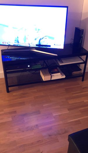 Glass panel tv stand for Sale in Jersey City, NJ