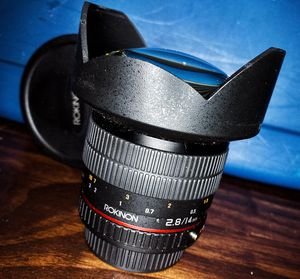 Rokinon 14mm f2.8 rectilinear ultra wide for Pentax for Sale in Minneapolis, MN