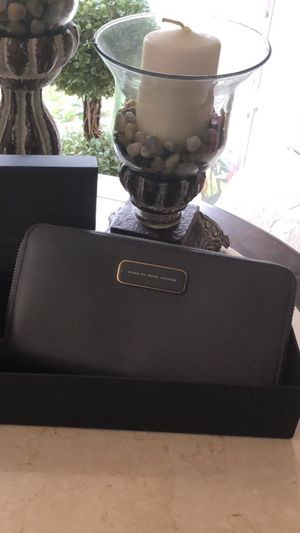 MARC JACOBS Zippy Wallet NWT's for Sale in Sudley Springs, VA