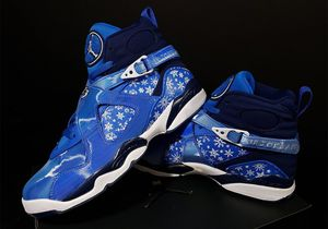 Brand new Air Jordan 8 Retro Snowflake edition Women's size 6 or Youth 4.5 for Sale in Kissimmee, FL
