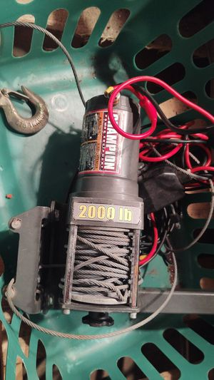 Champion 2000 lb winch for Sale in Pekin, IL