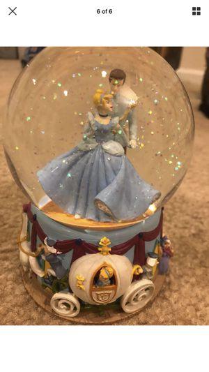 Enesco Disney's Cinderella Snow Globe! for Sale in Dundalk, MD