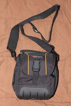 Lowepro Adventura SH 120 II Camera Bag for Sale in Seattle, WA