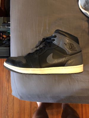 Jordan 1 mid for Sale in Cleveland, OH