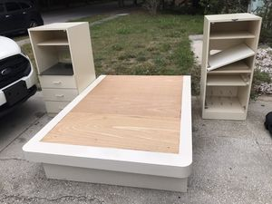 White Queen Platform bed w/2 drawers and 2 dresser/bookcases. Can be sold together or separate. for Sale in Apopka, FL
