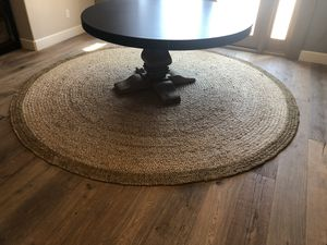 Jute rug 8ft round with gold rim for Sale in Roseville, CA
