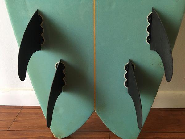 Surfboard . 6'3 $90