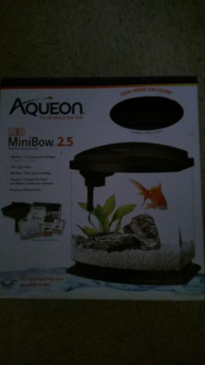 Aqueon LED MiniBow 2.5 Desktop Aquarium Kit for Sale in Los Angeles, CA