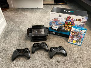 Nintendo Wii U 32 GB Console w/ 4 controllers for Sale in Orlando, FL
