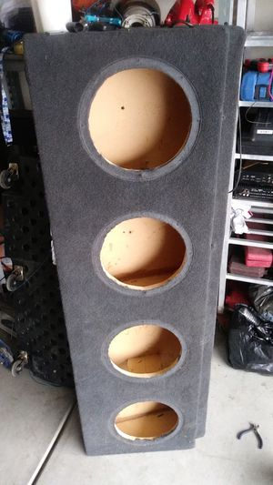Sub box for 4 10's for Sale in Arvin, CA
