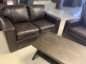 Sofa love Take it home today beautiful brown finish Sectional for Sale in Madera, CA