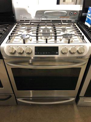 New LG slide in stainless steel slide in stove for Sale in Corona, CA