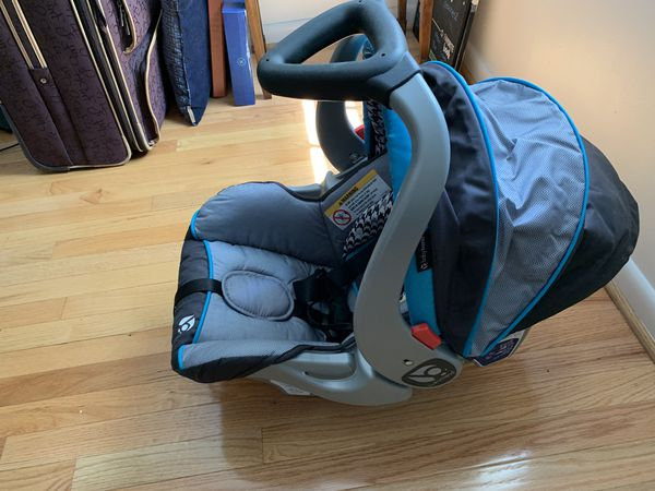Infant car seat and seat base