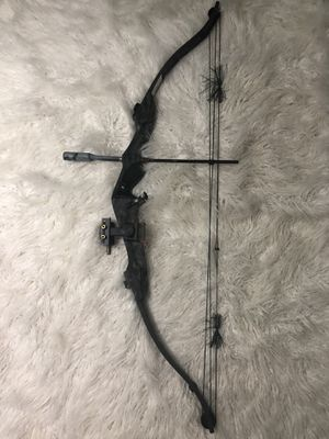 Hoyt bow and accessories for Sale in Raleigh, NC