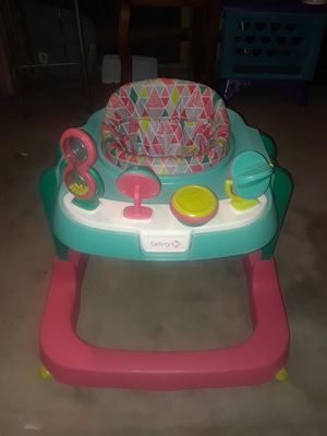 Little girls Safety First Walker for Sale in Grand Prairie, TX