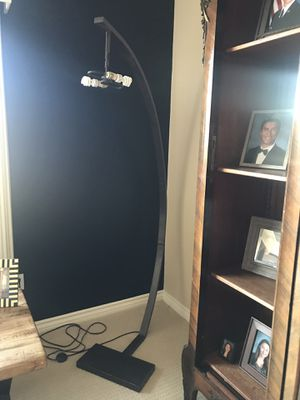 Arched floor lamp for Sale in Apple Valley, CA