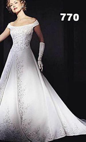 Demetrios Ilissa Wedding Dress for Sale in Brentwood, MO