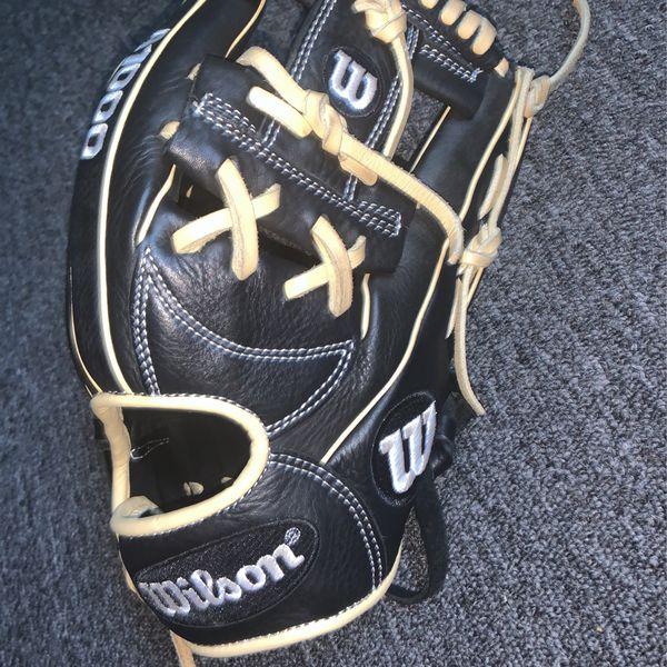 1000 Wilson Baseball glove