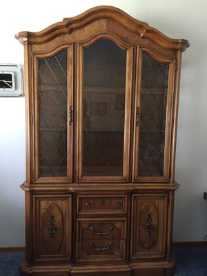 Free Stanley Furniture Hutch for Sale in Canby, OR