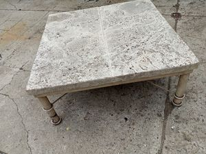 Coffee table for Sale in Galloway, OH