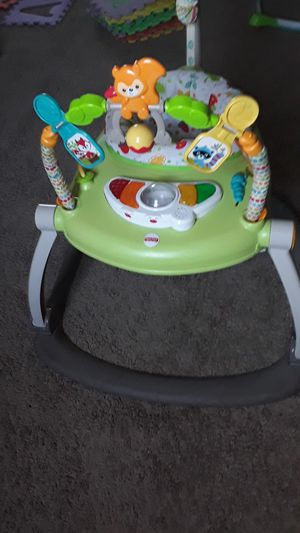 Fisher price jumpero para niños $20 esta en buenas condiciones le funciona la música for Sale in Dallas, TX