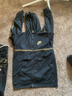 Nike jacket for Sale in Columbus, OH