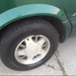 2000 Astor Van Rims and Tires for Sale in Chicago, IL