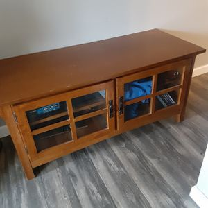 Free Tv Stand for Sale in Thomaston, CT