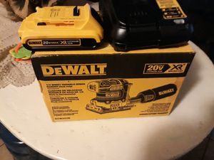 XR brushless lijadora batería y cargador 140 firme for Sale in Phillips Ranch, CA
