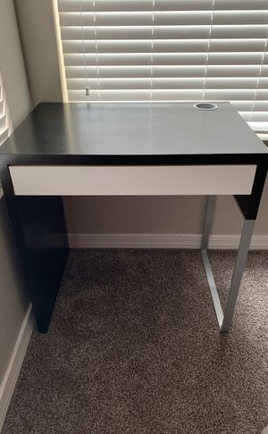 IKEA Desk for Sale in Phoenix, AZ
