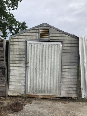 Shed metal storage 8'Wx8'L x 10'H for Sale in Winter Haven, FL