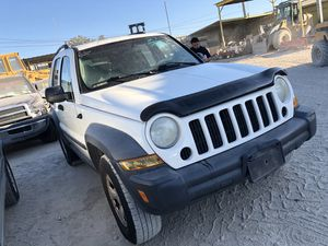 2007 Jeep Liberty parts for Sale in Grand Prairie, TX
