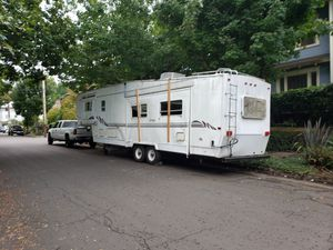 35 ft fifth wheel for Sale in Portland, OR