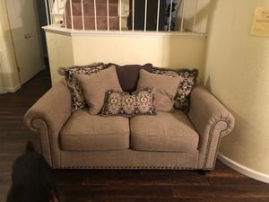 2-3 person couch for Sale in American Canyon, CA